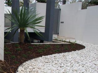 Aluminium garden edging   HedgeLandscapesThree   ODS