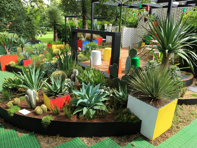 Formboss products have the edge at mifgs ods for Soft landscape materials