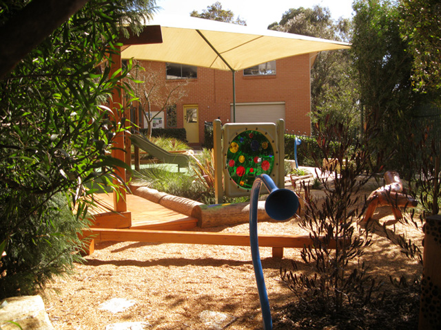 Moodie Outdoor Products and Kidsafe Australia | Moodie-Kidsafe_hero-2013102913830068935905 | ODS